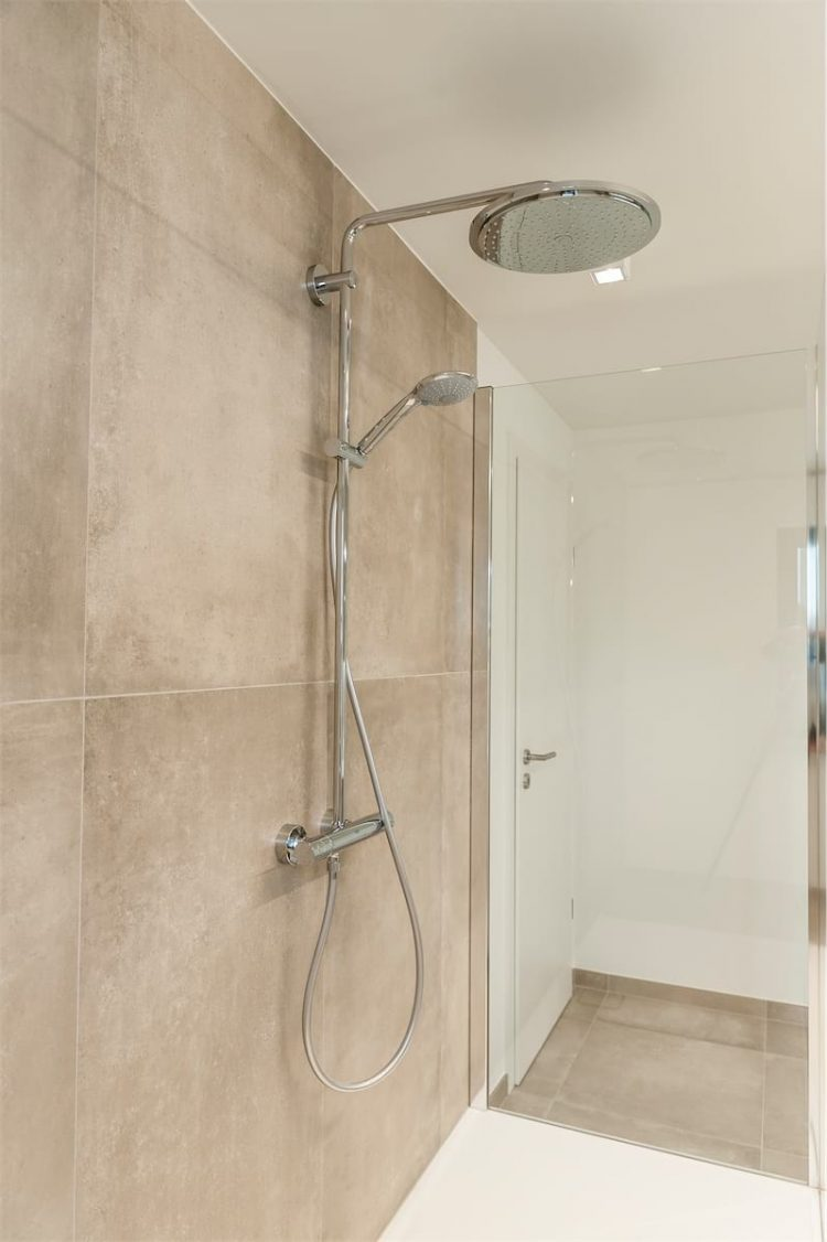 salle de bains 1 delta constructions portes ouvertes crisnee_1